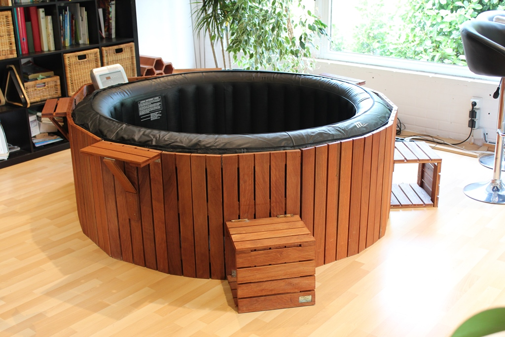 Version ronde jacosi le jacuzzi cosy for Jacuzzi demontable
